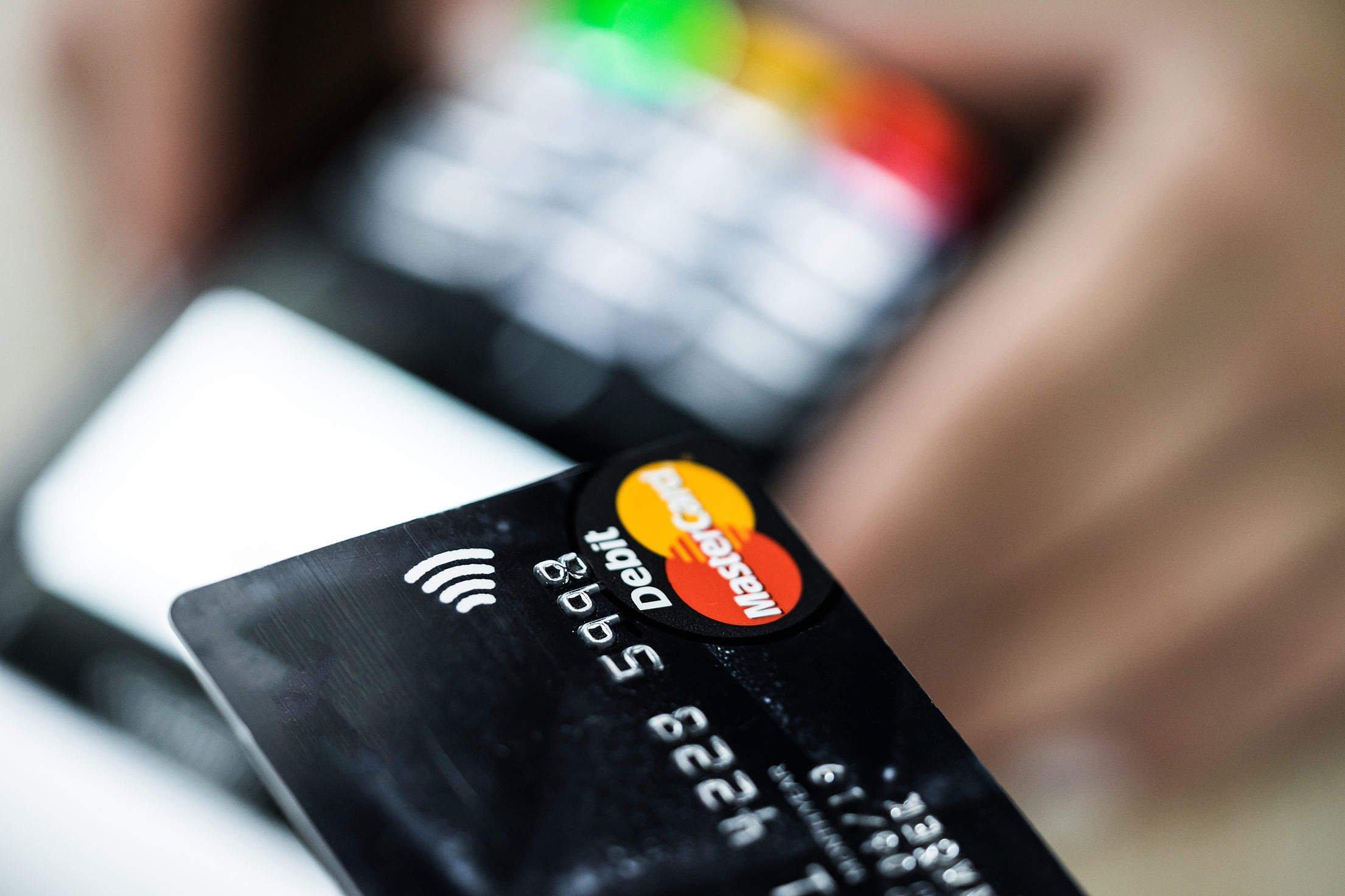 credit-card-payment-2210x1473-999940-pUrNoJ0n