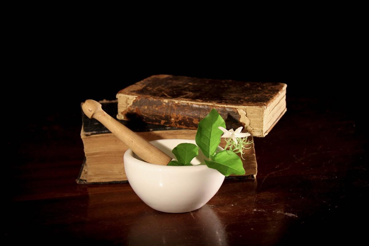 pharmacy-pharmacist-chemical-alchemy-portion-remedy-botany-herbal-medicine-1187134jpgd-920936-hY6NDrJr